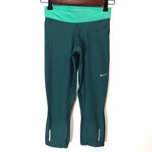 Nike DriFit Relay Running Cropped Capri Leggings